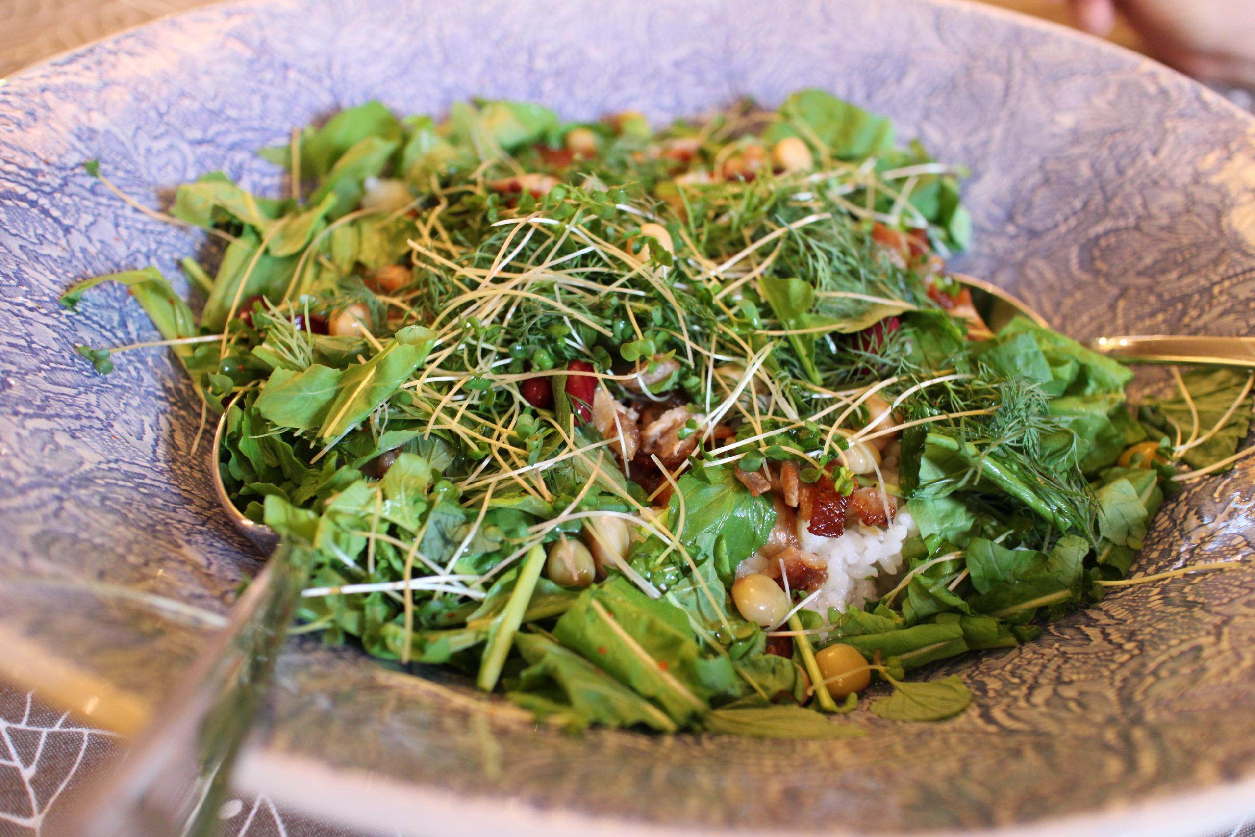 豚バラ肉とたっぷり香草の混ぜご飯